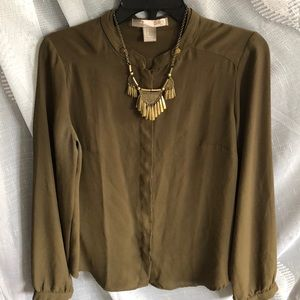 Green button up blouse